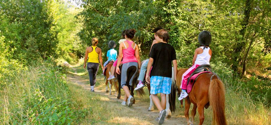 Balade avec les poneys pour les tous petits