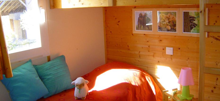 location-chalet-carcassonne-chambre-enfant